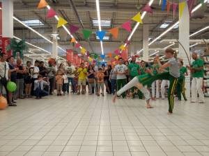 Demonstration Capoeira Carrefour  Beaulieu (11)