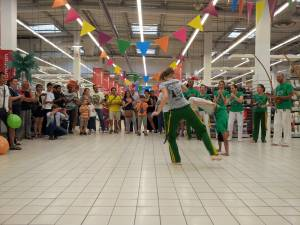Demonstration Capoeira Carrefour  Beaulieu (12)