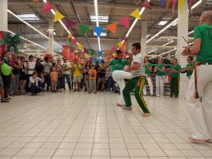 Demonstration Capoeira Carrefour Beaulieu (13)