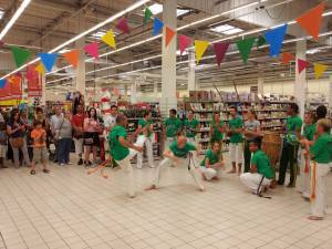 Demonstration Capoeira Carrefour  Beaulieu (15)