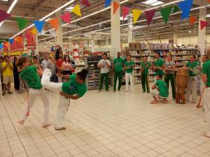 Demonstration Capoeira Carrefour Beaulieu (17)