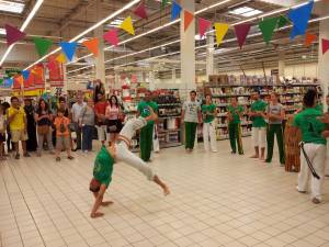 Demonstration Capoeira Carrefour  Beaulieu (18)