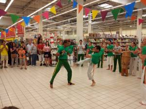 Demonstration Capoeira Carrefour Beaulieu (20)