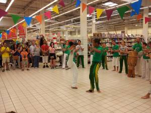 Demonstration Capoeira Carrefour Beaulieu (21)