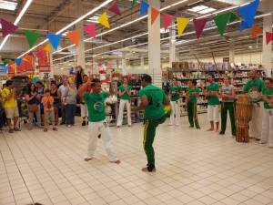 Demonstration Capoeira Carrefour  Beaulieu (22)