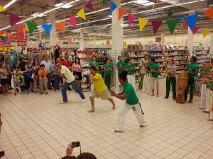 Demonstration Capoeira Carrefour  Beaulieu (24)