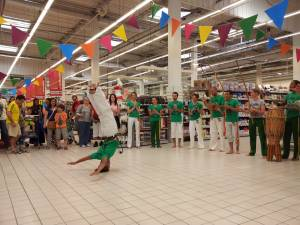 Demonstration Capoeira Carrefour Beaulieu (25)