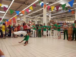Demonstration Capoeira Carrefour  Beaulieu (26)