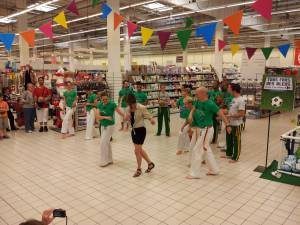 Demonstration Capoeira Carrefour  Beaulieu (30)