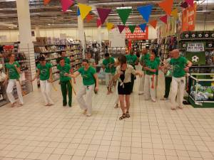 Demonstration Capoeira Carrefour  Beaulieu (31)