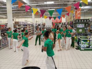 Demonstration Capoeira Carrefour Beaulieu (32)