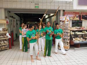 Demonstration Capoeira Carrefour  Beaulieu (37)