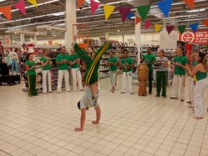 Demonstration Capoeira Carrefour Beaulieu (41)
