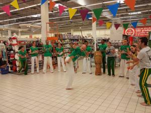 Demonstration Capoeira Carrefour Beaulieu (42)