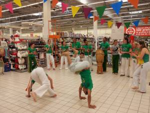 Demonstration Capoeira Carrefour  Beaulieu (46)