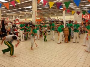 Demonstration Capoeira Carrefour  Beaulieu (48)