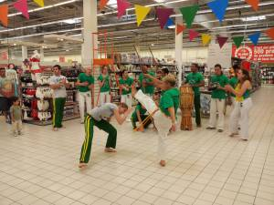 Demonstration Capoeira Carrefour  Beaulieu (49)