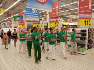 Demonstration Capoeira Carrefour  Beaulieu (4)