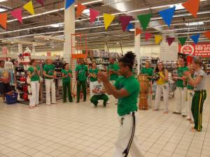 Demonstration Capoeira Carrefour  Beaulieu (53)