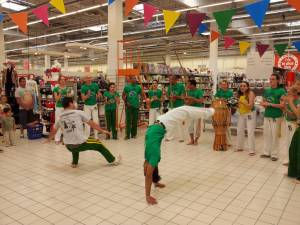 Demonstration Capoeira Carrefour  Beaulieu (55)