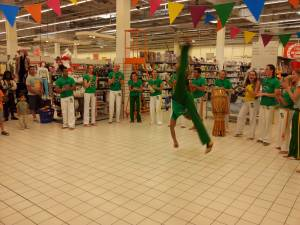 Demonstration Capoeira Carrefour  Beaulieu (57)