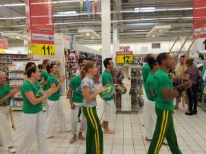 Demonstration Capoeira Carrefour Beaulieu (5)
