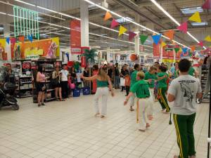 Demonstration Capoeira Carrefour  Beaulieu (61)