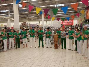 Demonstration Capoeira Carrefour  Beaulieu (6)