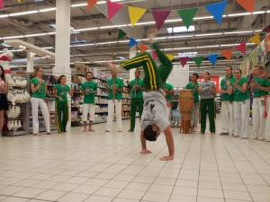 Demonstration Capoeira Carrefour  Beaulieu (7)