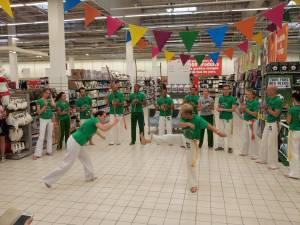 Demonstration Capoeira Carrefour Beaulieu (8)