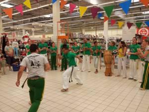 Demonstration Capoeira Carrefour Beaulieu (56)